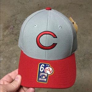 NEW Cincinnati Reds 6 7/8 Fitted Hat